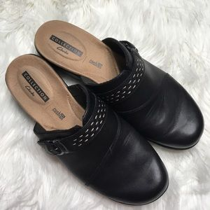 Clark's black leather slides size 8.5